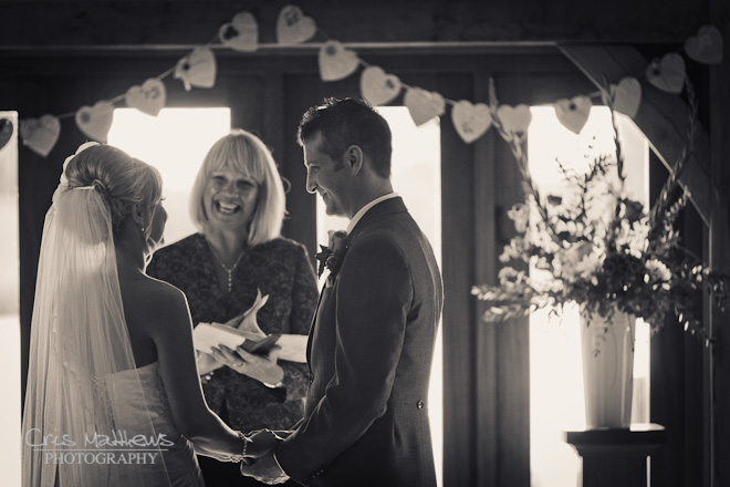 Sandhole Oak Barn Wedding Photography (13)